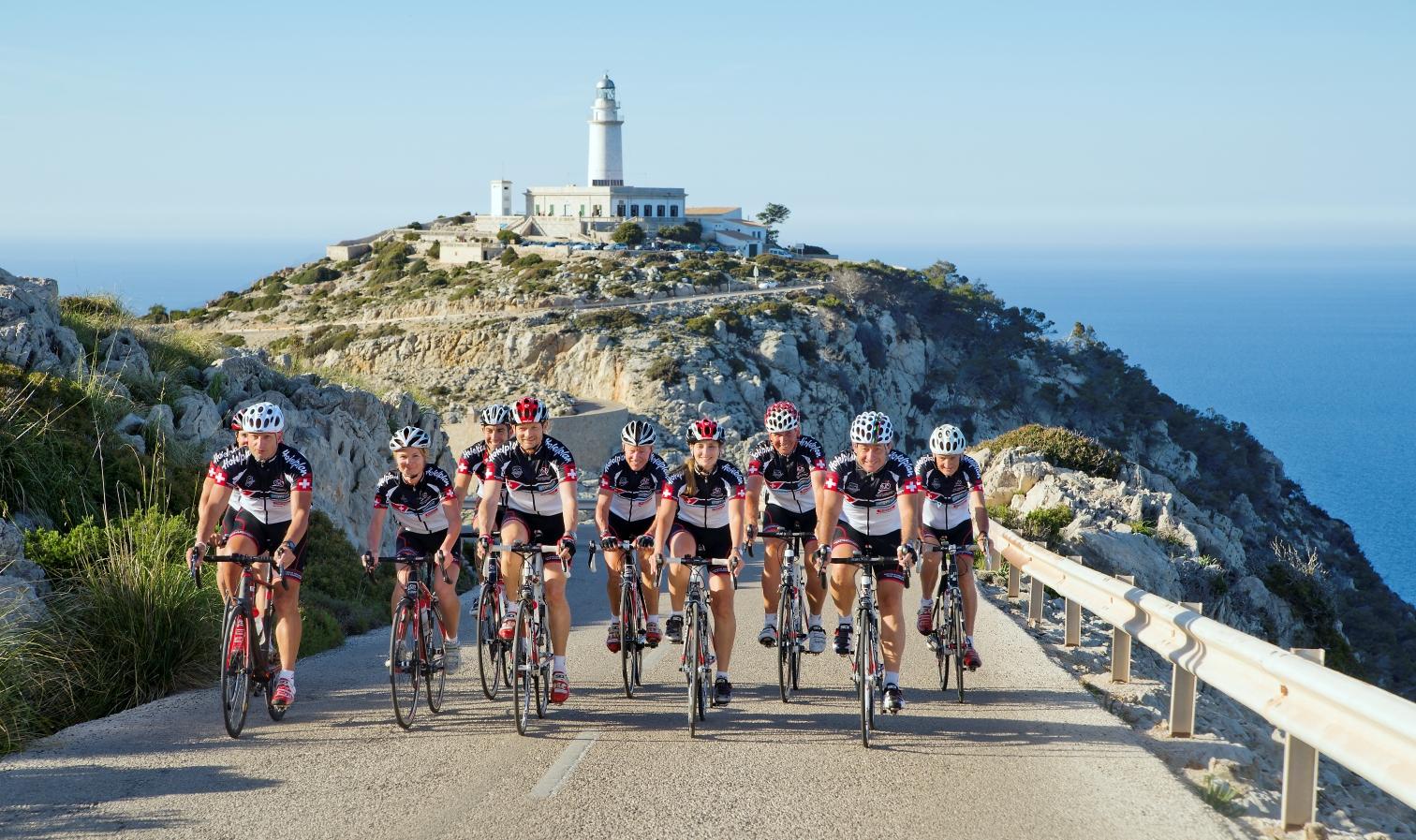 Radrundfahrt im Frühling: Spaß und Sport auf der Balearen-Radtour Mallorca & Menorca