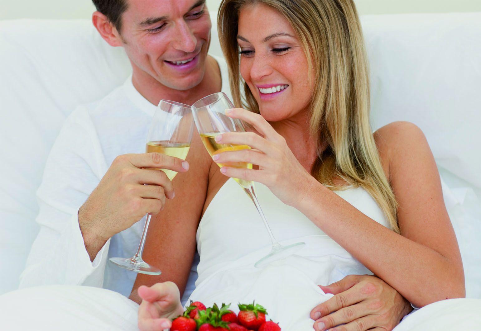 Romantisches Wochenende für Verliebte - Liebesschloss und Kuschelliebe