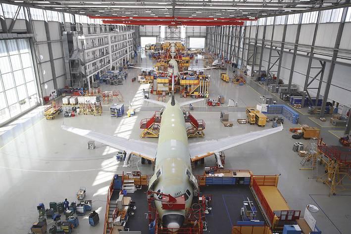 Startschuss für den Pro Technicale-Jahrgang 2014/15 beim weltweit führenden Flugzeughersteller